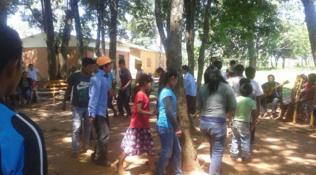 Miembros de Che Iro Ara Poty participan del taller demonitores en derechos individuales y colectivos de los Pueblos Indígenas