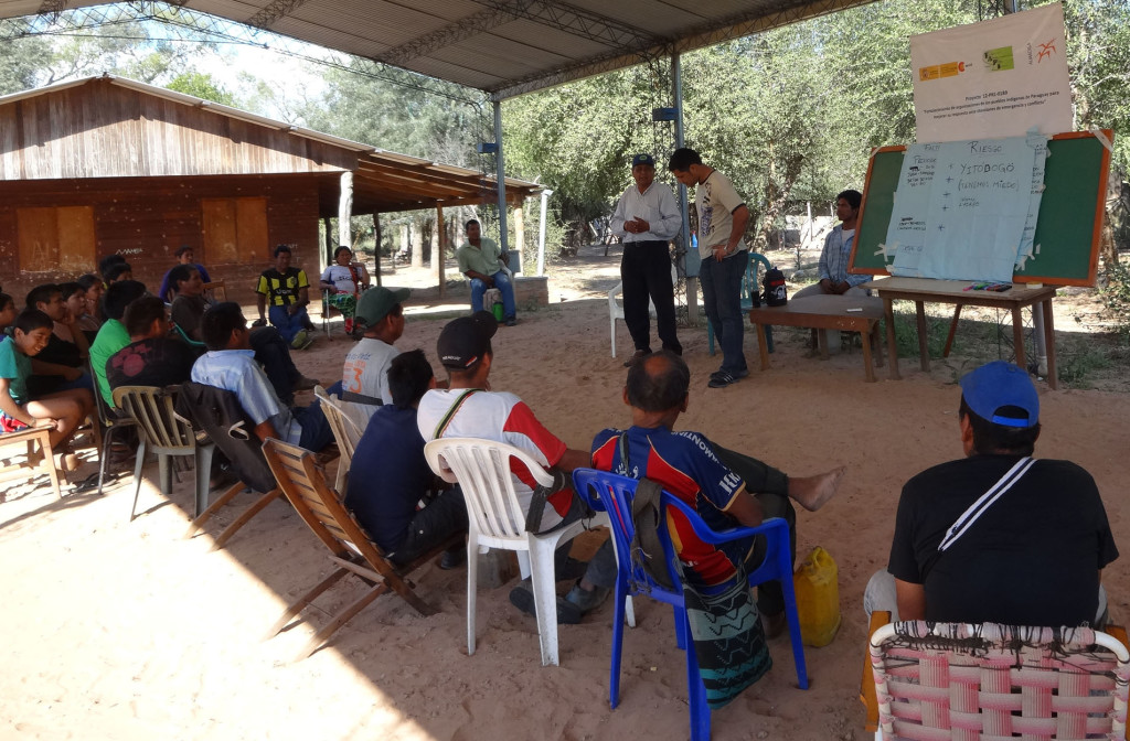 Durante uno de los talleres de Sistema de Alerta Temprana (SAT) con miembros de la Organización Payipie Ichadie Totobiegosode (OPIT), integrante de la FAPI.